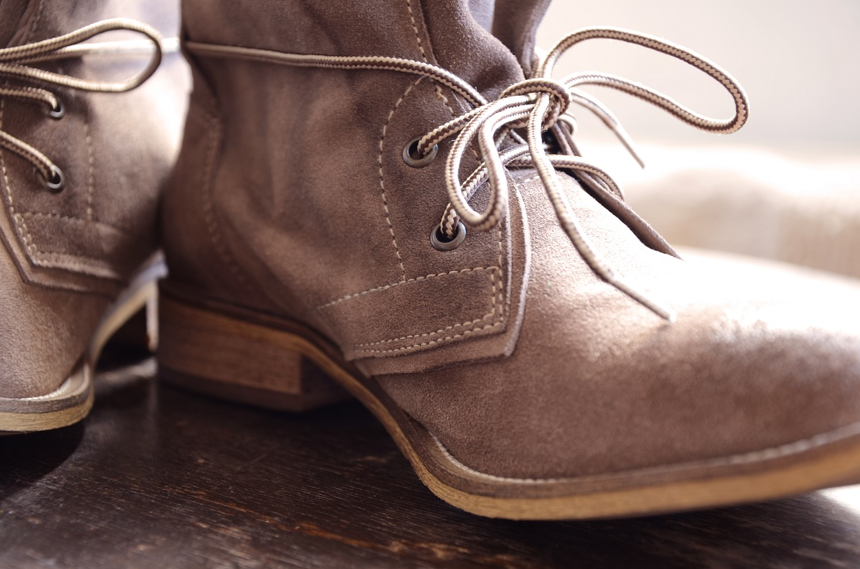 How to Clean Suede Boots
